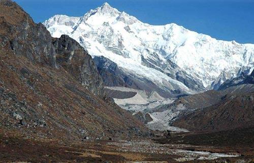 Dzongri Treks (5 nights 6 days)